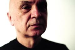 Porträtfoto von Bernhard Lang